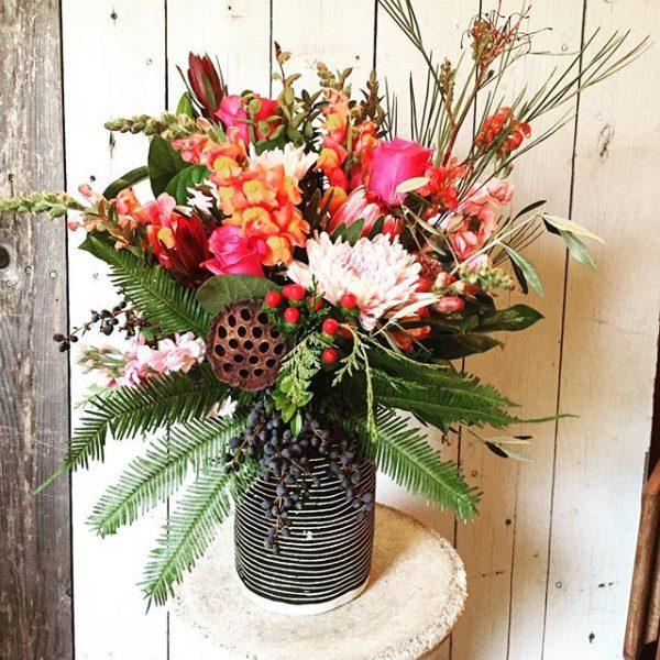 flowers-with-custom-vase