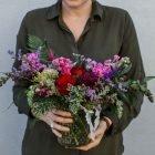 medium-vday-flowers-handheld